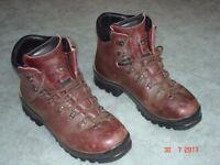 Scarpa SL leather walking boots