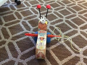 Vintage fisher price queen buzzy bee
