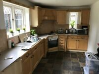 Traditional Fitted Kitchen with worktops and appliances