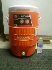 5 gallon Heavy Duty Igloo water jug - excellent condition