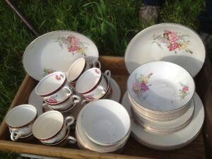 Lot de vaisselles antiques, England