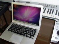 Macbook Air 13 1.8 I7 4GB Ram 256GB SSD with Logic Pro X and Latest OS X
