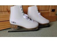 Size 5 SFR Ice Star Ice Skates