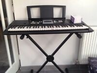 Yamaha e223 electric organ with stand excellent condition
