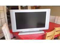 "32"" flat screen HD ready television TV"