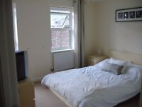Double Fully Furnished Room, no admin/sign up fees in modern townhouse, Tuffley