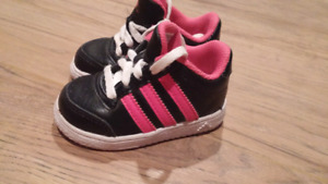 Infant size 4 Adidas runners