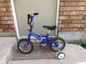 Blue boys bike bicycle with training wheel very good condition