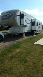 fifth wheel trailer great price!