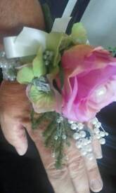 Beautiful Handcorsages and Button Holes
