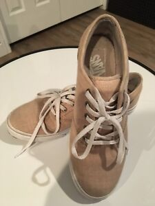 Wmns size 7 Vans casual shoes; like new