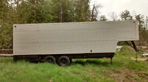 24 FT ENCLOSED TRAILER CAN BE GOOSENECK OR REGULAR HITCH