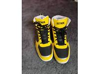 Men's size 14 batman high top trainers in fantastic condition