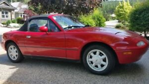 Mazda MX-5 Miata Convertible PRICE REDUCED