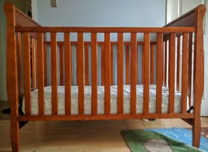 CHANGING TABLE AND CRIB