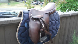 "16.5"" Lovatt & Ricketts Close Contact Saddle"