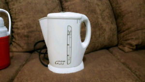 T FAL GOLD ELECTRIC KETTLE FOR SALE! WORKS PERFECTLY!