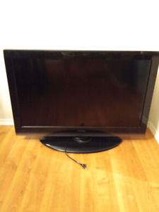 "Toshiba 40"" LED TV"