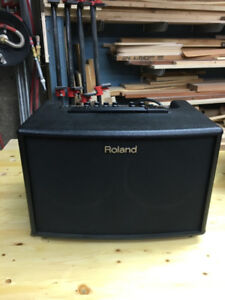 Roland Acoustic Chorus Guitar Amplifier - like new condition