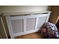 radiator cover in white -