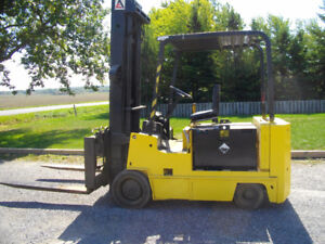 ALLIS CHALMERS FORKLIFT 12000  LIFTING CAPACITY