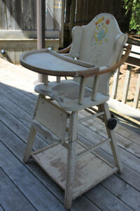 CONVERTABLE HIGHCHAIR 1946