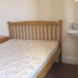 Room to let for a working person