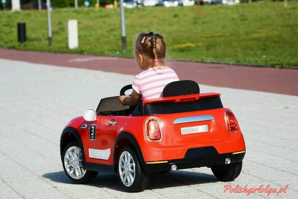 Electric cars for Baby Toyz Miniin Manchester City Centre, ManchesterGumtree - Electric car MP3 Microsd slot Remote Control Opened Doors 30kg max Double acumlator