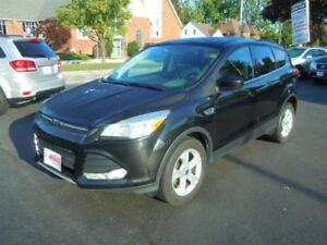 2014 FORD ESCAPE SE ECO BOOST- REAR VIEW CAMERA, HEATED FRONT SE