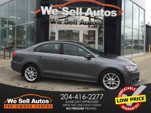 2013 Volkswagen Jetta Highline 2.5L *AUX *BTOOTH *SUNROOF *LTHR