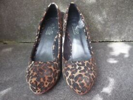 Ladies leopard print heels for sale - brand new