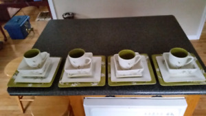 Set of square dishes