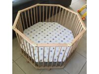 GeutherWooden Playpen Octo-Parc 2228 (Barely Used)