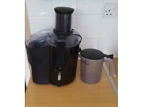 Philips HR1858/91 Pure Essentials 650W Juicer with XL Tube Feeding Tube