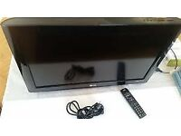 LG 26 FREEVIEW HDMI TV WITH WALL BRACKET + FIXING KIT