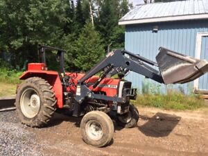 231 Massey Ferguson tractor with loader