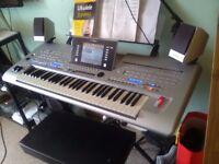 Yamaha Tyros 4 keyboard arranger