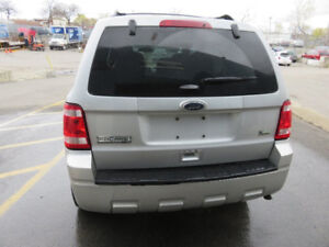 Very clean and cared for 2011 Ford Escape XLT SUV, Crossover