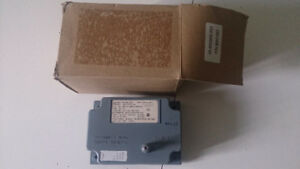 LENNOX 80K1201 IGNITION CONTROL MODULE *NEW IN BOX*