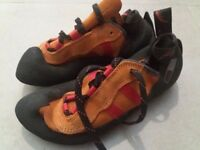 Men's Red Chili Climbing shoes UK8.5 EU42.5