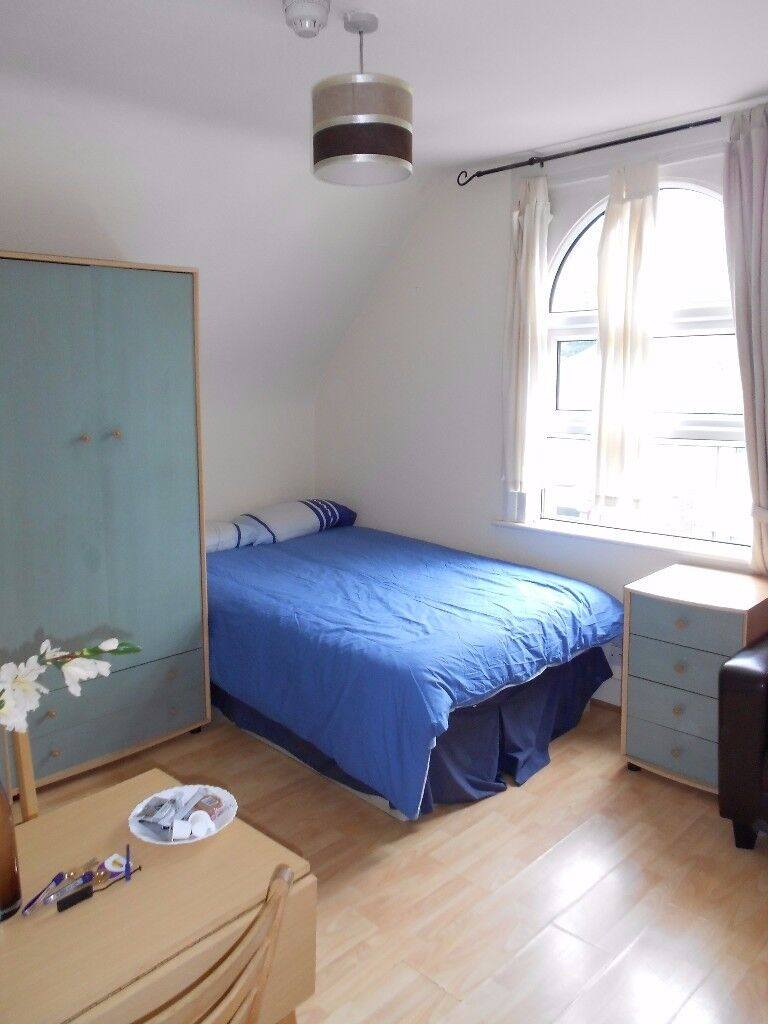 Cosy ready to move in Studio Flat for only £965pcm in Willesden Green/ zone 2!