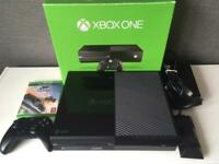Xbox one, fully boxed with forza horizon 3, 1 controller and all cables.