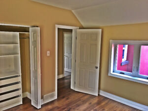 LAW STUDENTS! 2br reno'd apartment, 1 block from LU LAW!