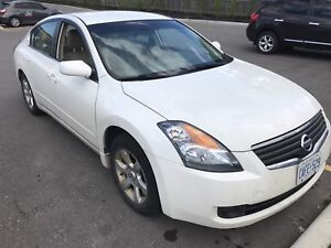 2008 Nissan Altima leather heated seats  4 cyl