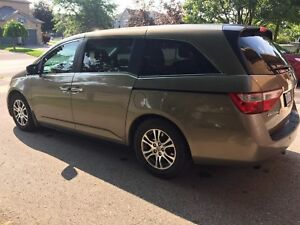2011 Honda Odyssey EX-L RES-    MOM BOUGHT A NEW ONE!!!
