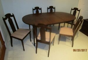 Solid wood dining room table with 6 chairs - PRICE REDUCED