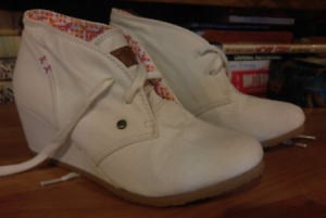 Womens size 11 shoes