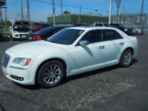2012 CHRYSLER 300 LIMITED- SUNROOF, REAR VIEW CAMERA, LEATHER HE