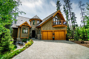 Prestigious Living on Canmore's Silvertip Golf Course