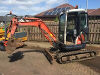 3 ton mini Excavator / digger 2005 in good working condition complete with 3 buckets and blade